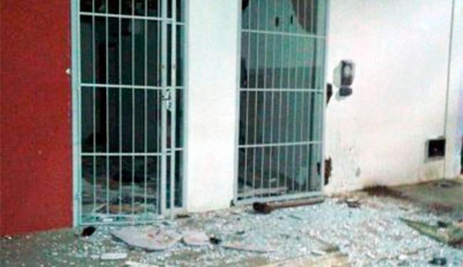 Criminosos fortemente armados agiram durante a madrugada em Irajuba - Foto: Reprodução | Site Júnior Mascote