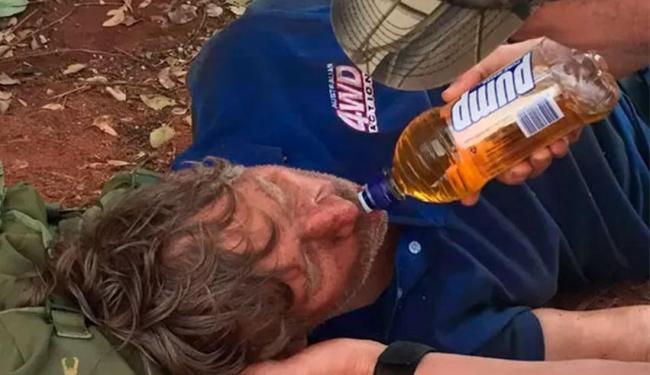 Caçador estava desidratado e delirando quando foi encontrado - Foto: Glen Roberts | WA Police via AP