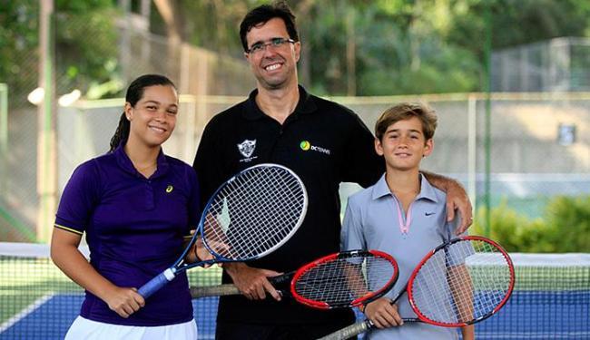 Catharina Azevedo, Duda Catharino Gordilho e Gustavo Schweebel no Clube Baiano de Tênis - Foto: Lúcio Távora l Ag. A TARDE