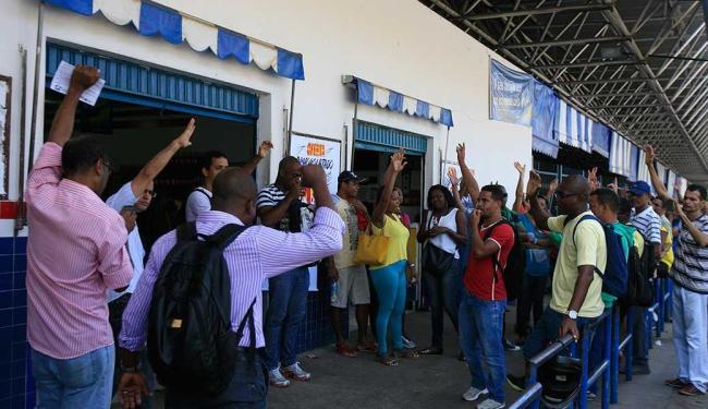 Funcionários realizaram um primeiro protesto no dia 15 de outubro - Foto: Edilson Lima | Ag. A TARDE