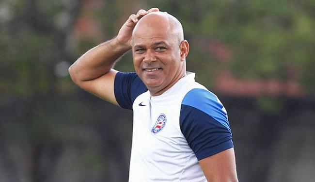 Charles comandou o clube no final do ano passado, na Série A - Foto: Eduardo Martins | Ag. A TARDE 14.11.2014