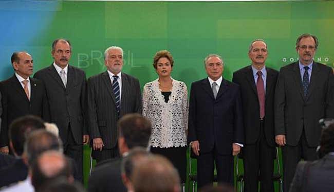 Dilma, o vice Michel Temer e alguns do ministros empossados nesta segunda - Foto: Valter Campanato | Agência Brasil