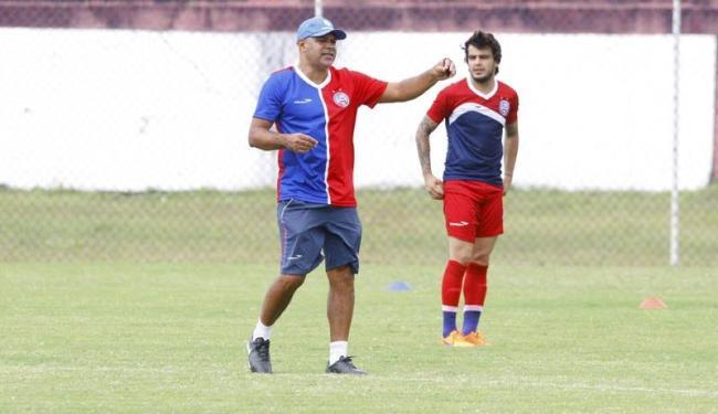 Treinador aposta em mudanças na defesa e no ataque para superar o Oeste - Foto: Edilson Lima | Ag. A TARDE