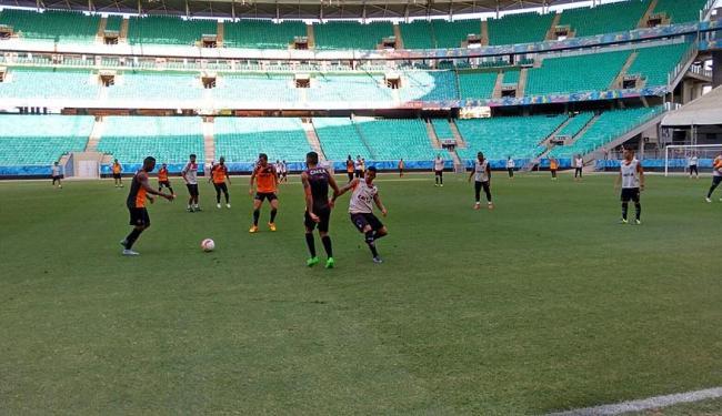 A atividade foi descontraída e os jogadores aproveitaram para aperfeiçoar algumas jogadas - Foto: Moysés Suzart | Ag. A TARDE