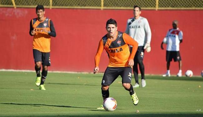 A atividade contou com o retorno do lateral Diego Renan (foto) e do meia Pedro Ken - Foto: Divulgação | E.C. Vitória