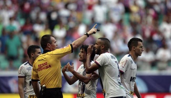 Diferença de chances entre Bahia e Vitória já é de 68% - Foto: Raul Spinassé   Ag. A TARDE