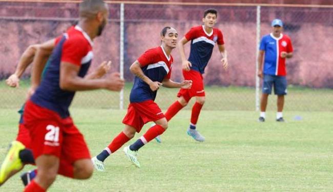 Robson, Alexsandro e João Leonardo participam de treinamento de Charles - Foto: Edilson Lima   Ag. A TARDE