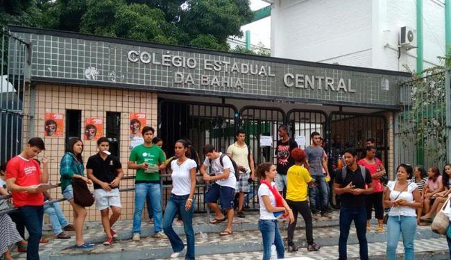O movimento foi tranquilo no Colégio Central - Foto: Raul Spinassé | Ag. A TARDE
