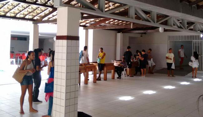 Candidatos relaxam no Colégio Perfil, em Vilas - Foto: Iloma Sales | Ag. A TARDE