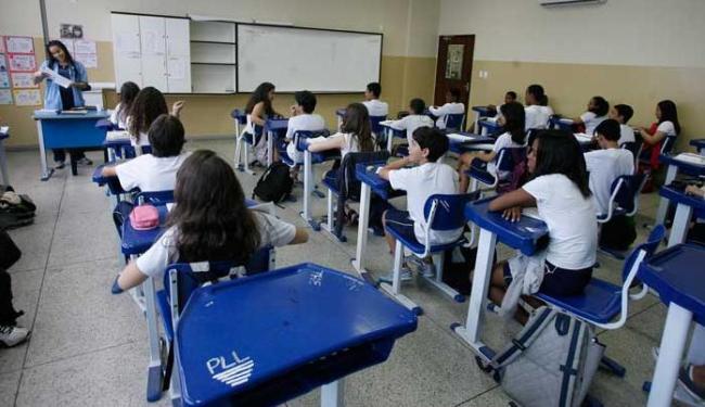 Alunos assistem aula no Marista: interpretação sistemática do mundo - Foto: Marco Aurélio Martins | Ag. A TARDE