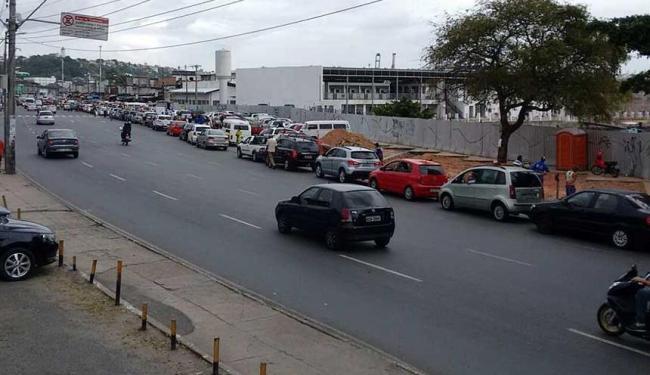 Movimento está intenso para quem embarca de carro - Foto: Edilson Lima   Ag. A TARDE