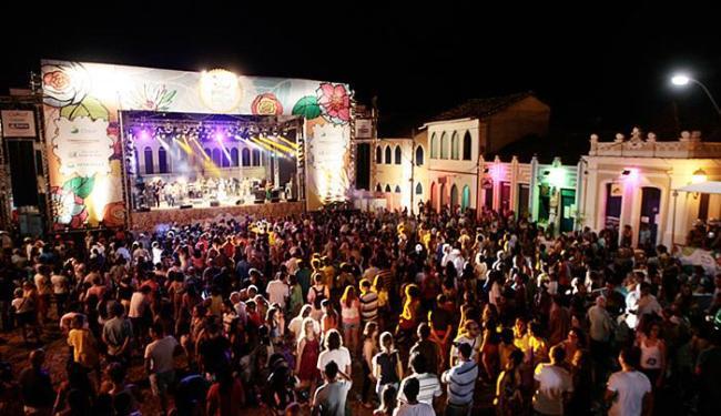Evento do ano passado atraiu à praça Horácio de Mattos milhares de visitantes - Foto: Mila Cordeiro l Ag. A TARDE l 10.10.2014