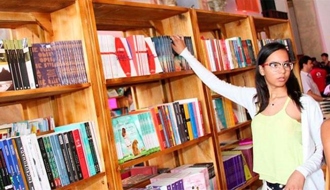 Além da livraria da Flica, as pessoas vão poder ler livros espalhados pelos locais da festa - Foto: Divulgação | Flica