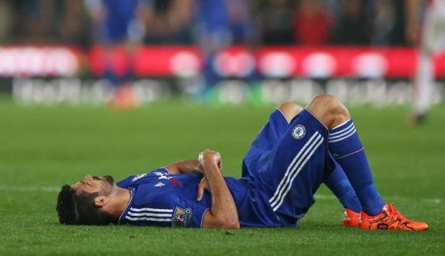 Ele se contundiu ainda no primeiro tempo do jogo diante do Stoke City - Foto: Alex Morton | Agência Reuters