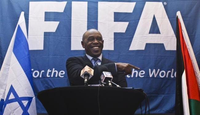 Ele fez o anúncio neste sábado, 24, após ter recebido apoio da Associação Sul-Africana de Futebol - Foto: Nir Elias | Agência Reuters