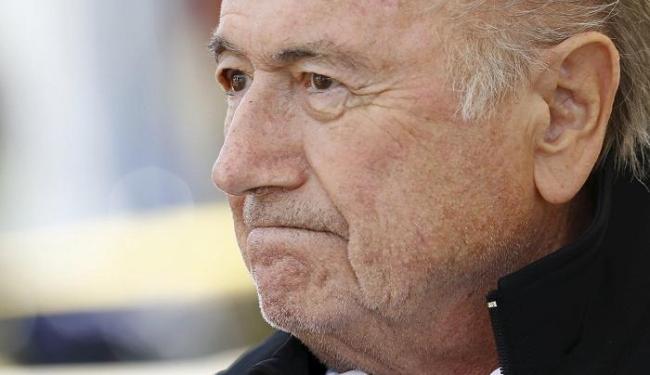 Na última quinta-feira, Blatter foi suspenso por 90 dias da entidade - Foto: Denis Balibouse | Reuters