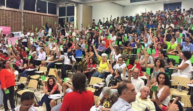 A decisão pelo fim da greve foi aprovada por ampla maioria dos professores - Foto: Reprodução | Facebook | Apub