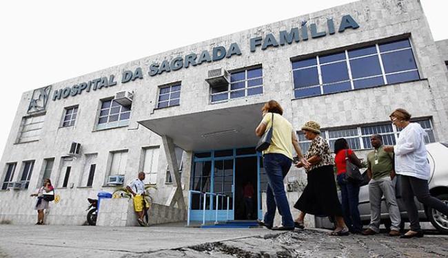 Extinção dos leitos no Sagrada Família será em função do fim de contrato com a Sesab - Foto: Walter de Carvalho l Ag. A TARDE l 27.07.10