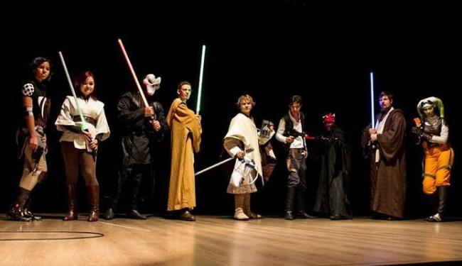 Integrantes do Conselho Jedi Bahia vão vestidos à rigor para o evento - Foto: Divulgação