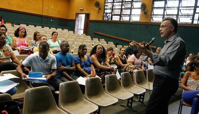 O jornalista e radialista da A TARDE FM Jefferson Beltrão, que também é professor, participa - Foto: Marco Aurélio Martins | Ag. A TARDE