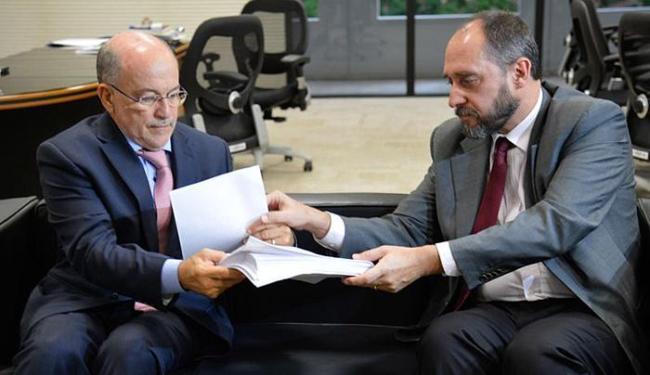 Adams entrega pedido de suspeição de Nardes no processo de contas de 2014 - Foto: Wilson Dias l Agência Brasil