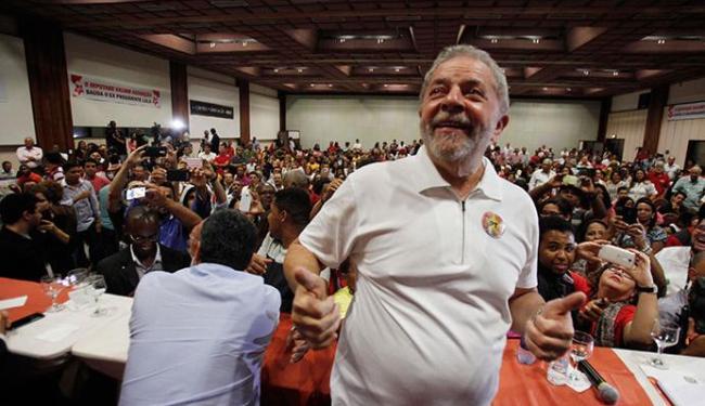 Ex-presidente Lula esteve presente no evento na noite desta sexta, em Salvador - Foto: Lúcio Távora   Ag. A TARDE