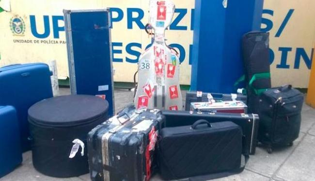 A polícia encontrou também os instrumentos e equipamentos de som dos músicos, na tarde deste domingo - Foto: Divulgação