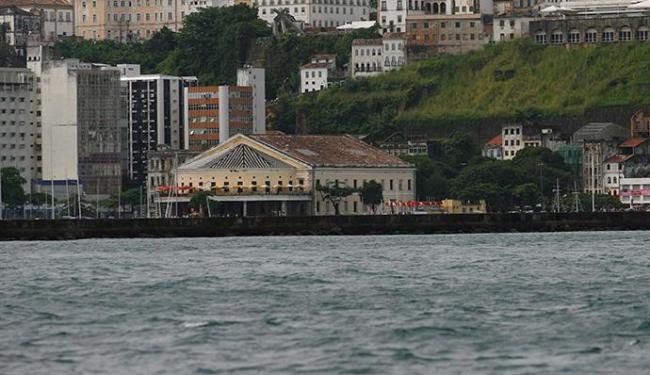 Corpo foi encontrado no mar próximo ao cartão-postal de Salvador - Foto: Adilton Venegeroles | Ag. A TARDE
