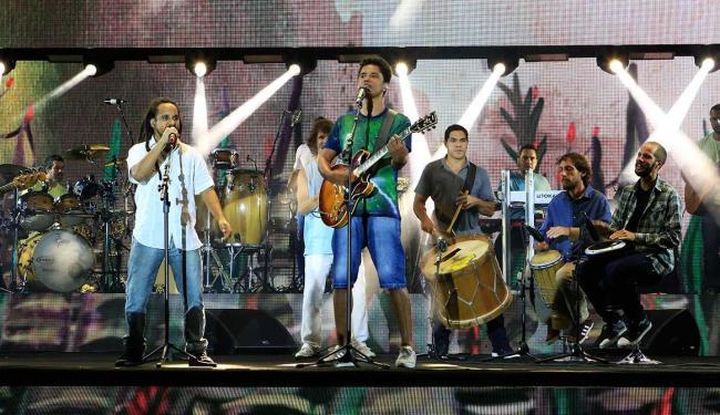 Hélio Bentes, da banda Ponto de Equilíbrio, foi um dos convidados do show - Foto: Ivan da 13P | Divulgação