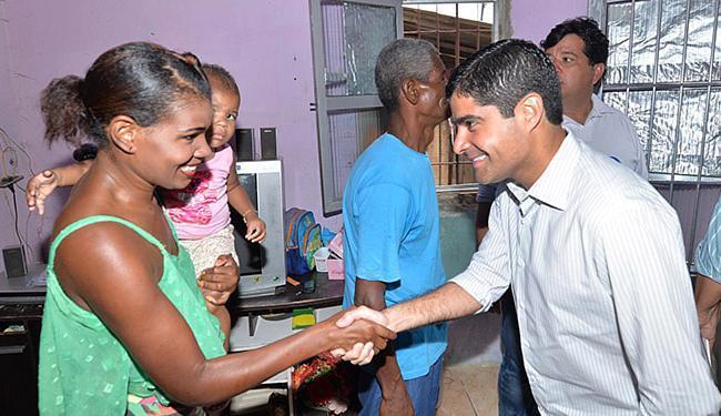 Neto foi recebido por moradores em Nova Constituinte - Foto: Max Haack l Agecom