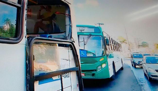 Acidente aconteceu na Lucaia por volta das 6h20 - Foto: Reprodução | TV Bahia