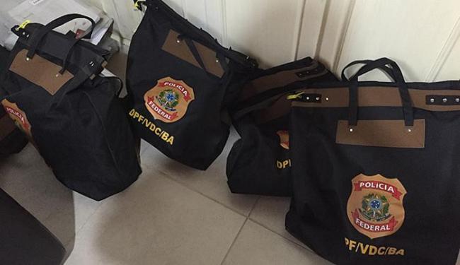 Documentos recolhidos em malotes podem apontar ainda mais participantes - Foto: Polícia Federal l Divulgação