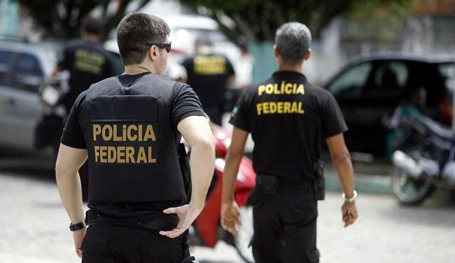 Operação foi deflagrada nesta manhã pela Polícia Federal - Foto: Luiz Tito   Ag. A TARDE   08.10.2015
