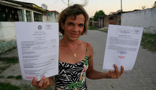 Para Palloma, alteração do nome põe fim à luta diária que vive desde os 15 anos - Foto: Fernando Amorim l Ag. A TARDE