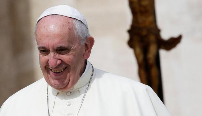 Papa diz que um bom pai perdoa, mas também sabe corrigir com firmeza - Foto: Max Rossi | Agência Reuters