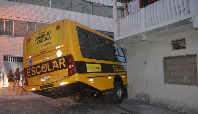 O adolescente trabalhava no Lava-Rápido onde o ônibus estava - Foto: Reprodução   Prado Noticias