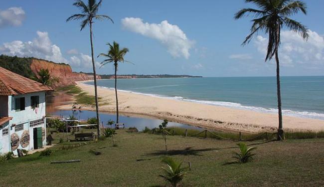 Praia da Japara foi referência fornecida por moradores no alerta feito quinta-feira - Foto: Carlos Casaes l Ag. A TARDE l 06.01.2012