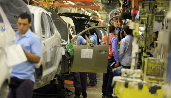 Categorias como metalúrgicos, bancários e petroleiros enfrentaram dificuldades para negociar - Foto: Joá Souza | Ag. A TARDE