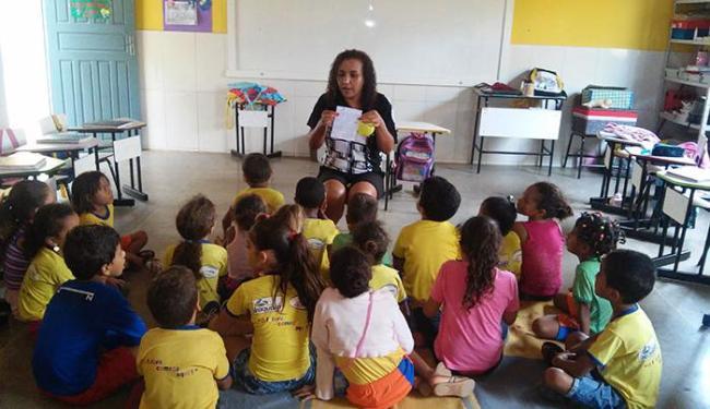 Convocados são professores de educação infantil, filosofia, história, inglês, teatro, artes - Foto: Divulgação
