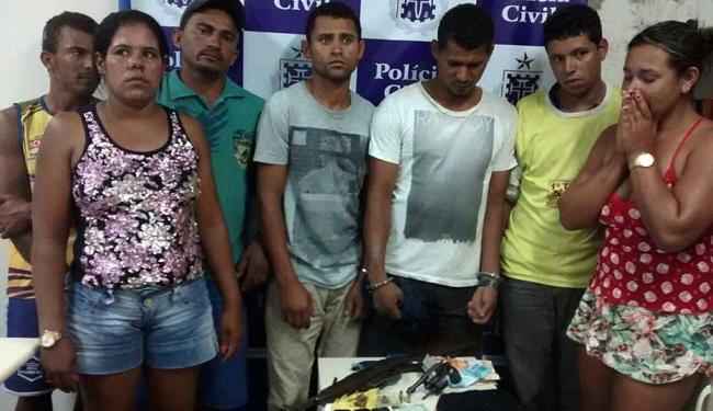 Entre os pressos estão cinco homens e duas mulheres - Foto: Ascom | Polícia Civil