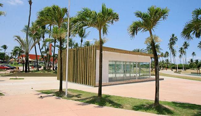Equipamentos substituirão barracas de praia demolidas em 2010 pela prefeitura - Foto: Luciano da Matta | Ag. A TARDE