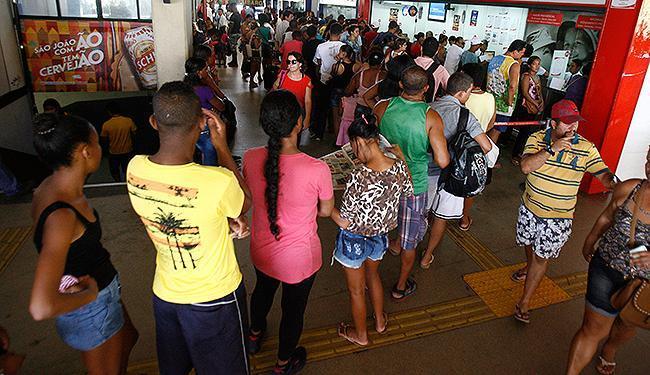 As linhas com maior número de saída nesta manhã são para o Recôncavo baiano - Foto: Fernando Amorim | Ag. A TARDE
