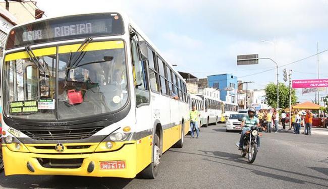 A manifestação dos rodoviários atrapalhou o trânsito nessa manhã - Foto: Edilson Lima | Ag. A TARDE