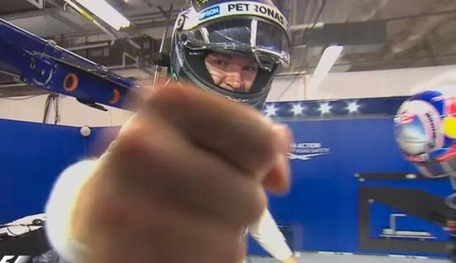 Rosberg deslizou na pista e permitiu vitória de Hamilton - Foto: Divulgação