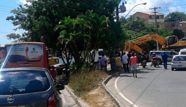 Motoristas enfrentam congestionamento na Estrada Velha do Aeroporto - Foto: Cidadão Repórter | Via Whatsapp