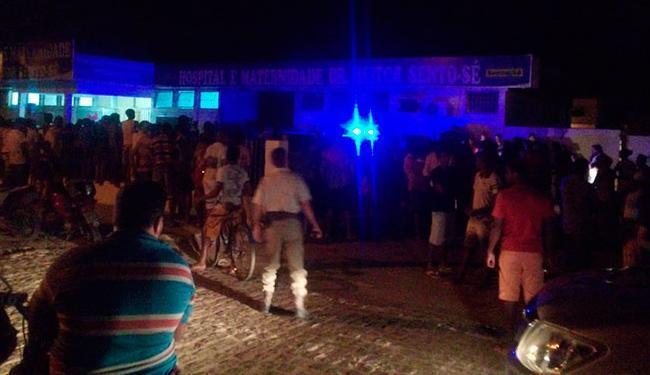 A quadrilha de dez homens saiu sem levar nada. Na fuga, trocaram tiro com a polícia - Foto: Reprodução | Sento Sé Agora