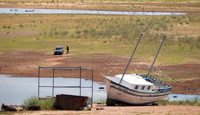 Leito do lago Sobradinho, que é atingido pela estiagem - Foto: Lùcio Távora | Arquivo | Ag. A TARDE