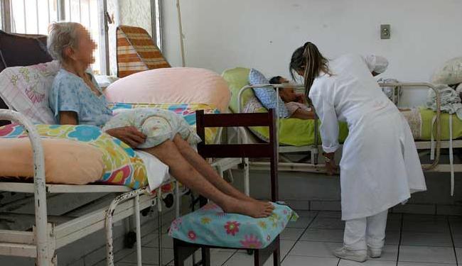 Entre as vagas, há oportunidades para técnico enfermagem - Foto: Eduardo Martins | Ag. A Tarde