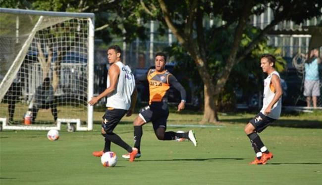 Jogadores participaram, nesta quinta-feira, 29, de trabalho tático e de bola parada - Foto: Divulgação l E.C. Vitória
