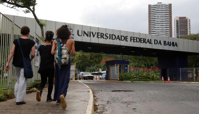 Apesar da classificação, a universidade está pior faixa: entre as posições 601ª e 800ª. - Foto: Joá Souza | Ag. A TARDE